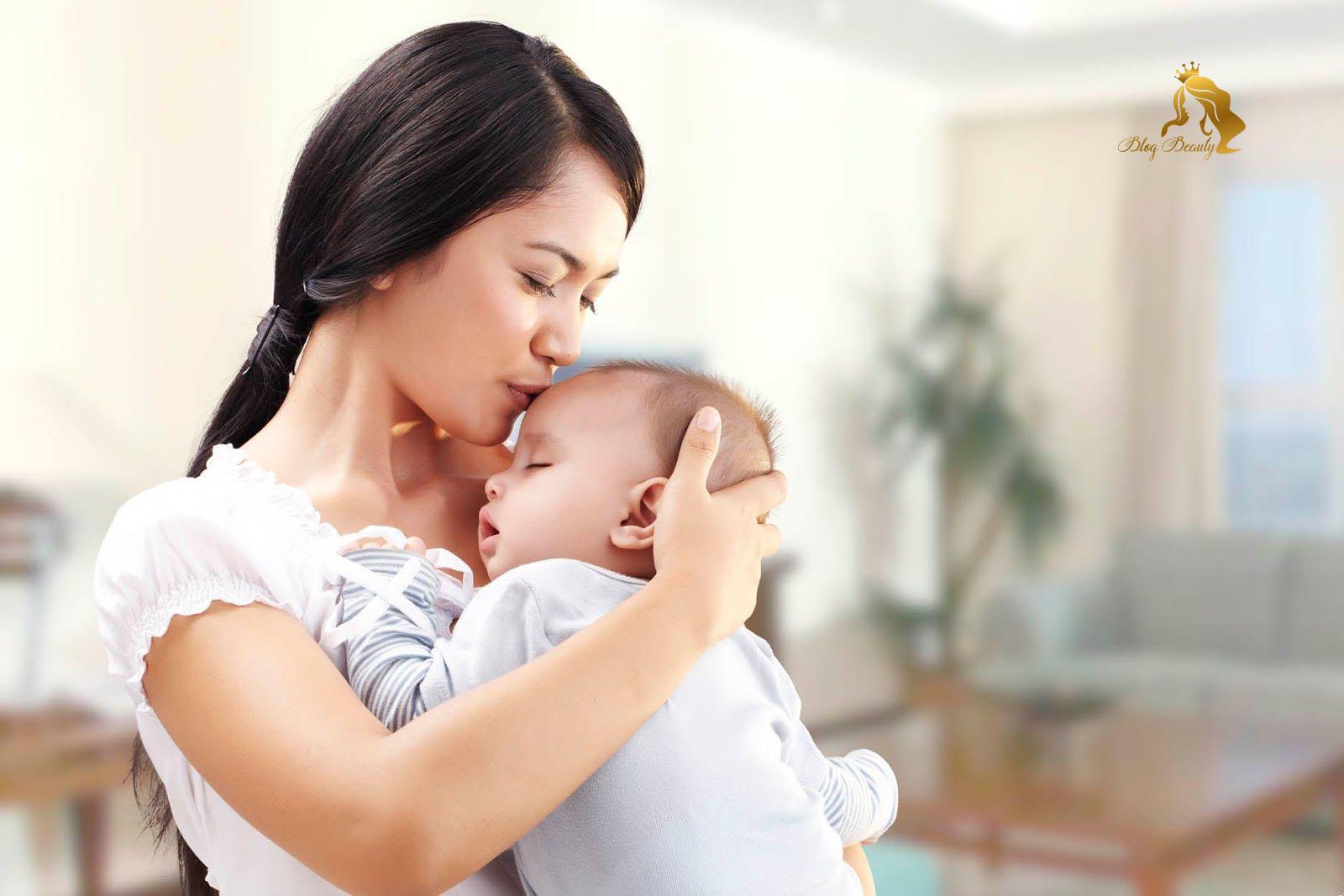 Dưỡng da sau sinh cho mẹ