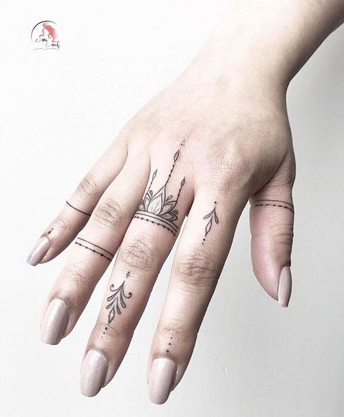 Hình xăm mini trên ngón tay