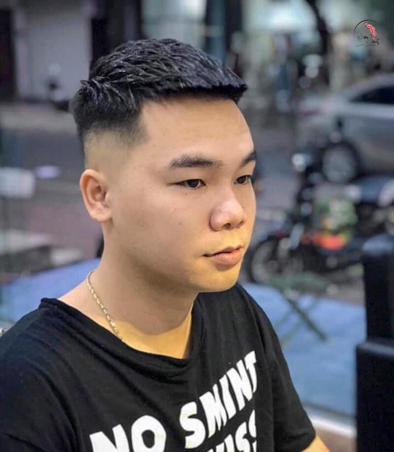 Kiểu tóc Mohican cho khuôn mặt tròn