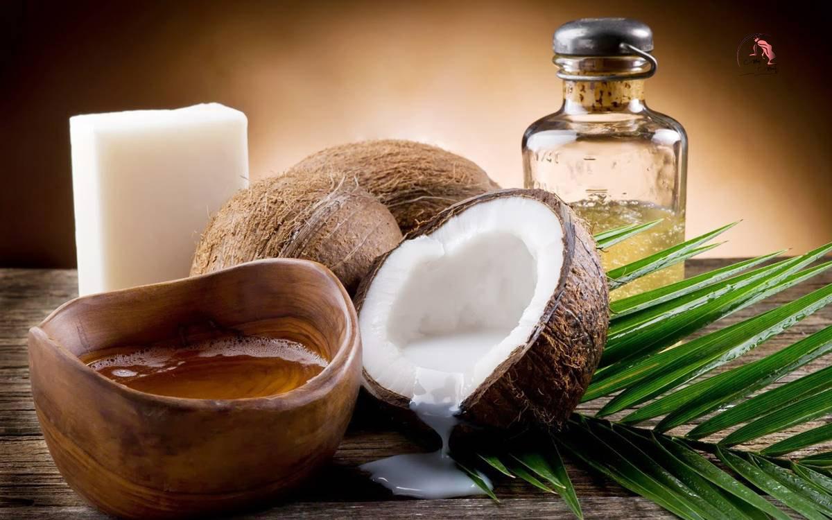 Làm nước tẩy trang bằng dừa và sữa tươi