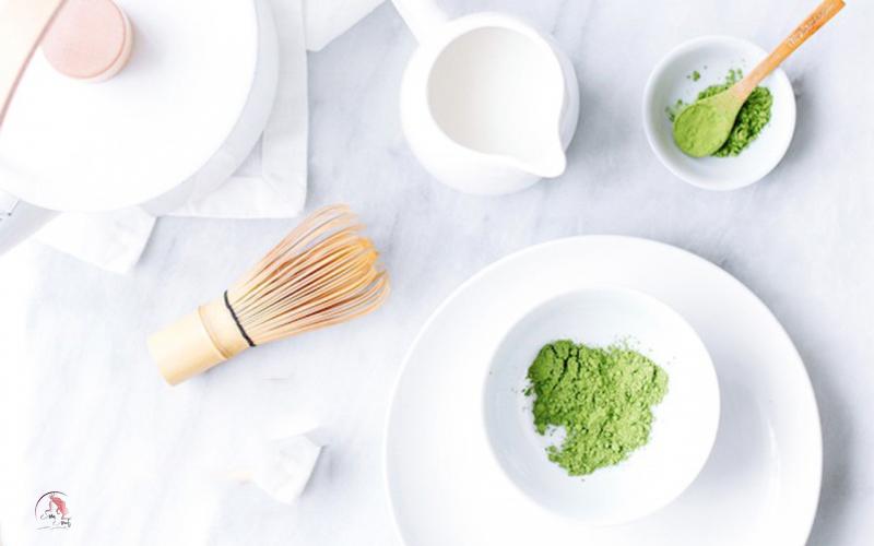 Làm nước tẩy trang bằng trà xanh