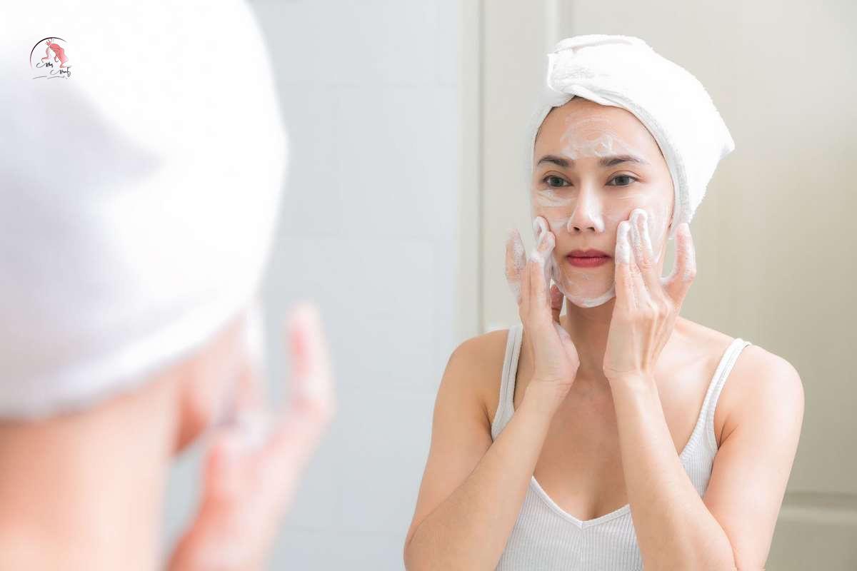 Detox da bằng cách massage da mặt