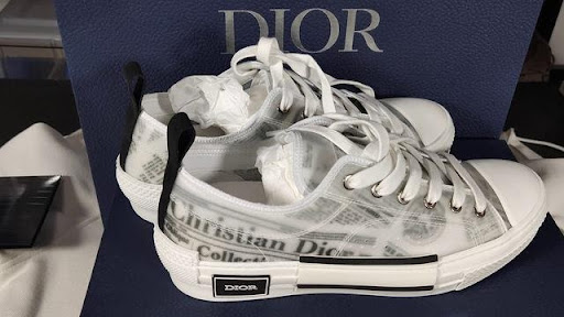 Sản phẩm sneaker Dior